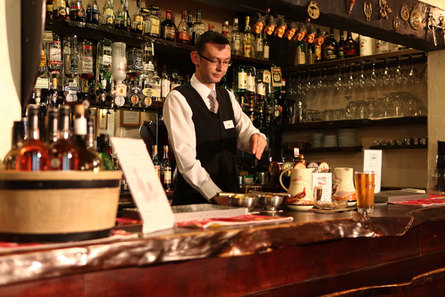 Saddle Room Bar